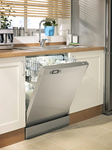 Dishwasher「dishwasher in chic kitchen」:スマホ壁紙(12)