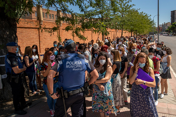 Madrid「Madrid Calls Thousands Of Teachers To Be Tested For Covid-19 Before School Resumes」:写真・画像(11)[壁紙.com]