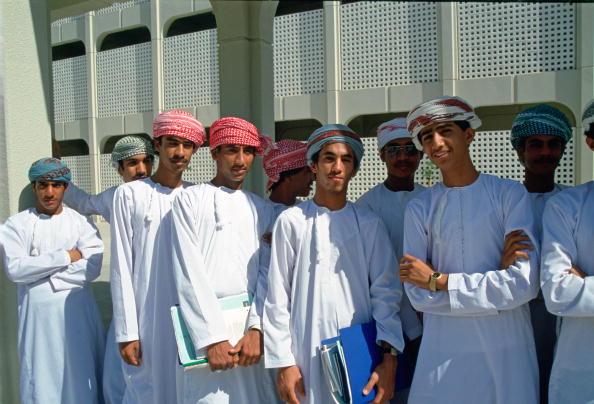 Boys「Students, Oman University」:写真・画像(2)[壁紙.com]