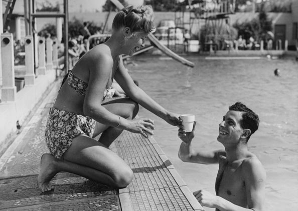Cool Attitude「Drink At Pool」:写真・画像(13)[壁紙.com]