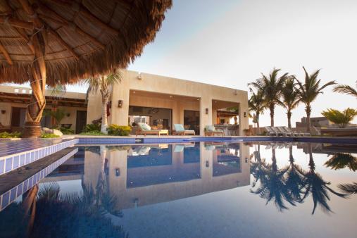 Infinity Pool「Elegant home and swimming pool」:スマホ壁紙(4)