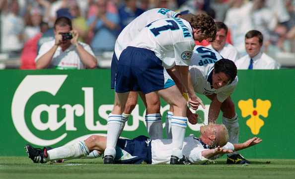 Celebration「1996 UEFA European Championships England v Scotland」:写真・画像(13)[壁紙.com]