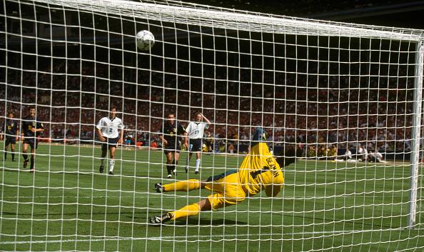 Club Soccer「UEFA European Championships 1996 England v Scotland」:写真・画像(14)[壁紙.com]