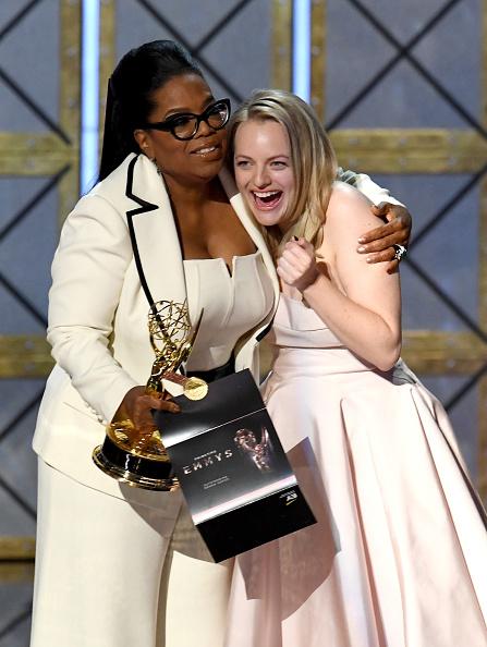 Oprah Winfrey「69th Annual Primetime Emmy Awards - Show」:写真・画像(6)[壁紙.com]