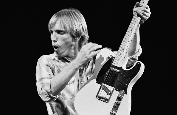George Rose「Singer Tom Petty Performs in Concert」:写真・画像(2)[壁紙.com]