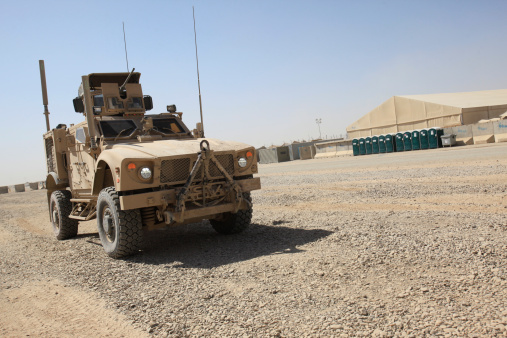 Military「An Oshkosh M-ATV sits parked at Camp Leatherneck, Afghanistan.」:スマホ壁紙(9)
