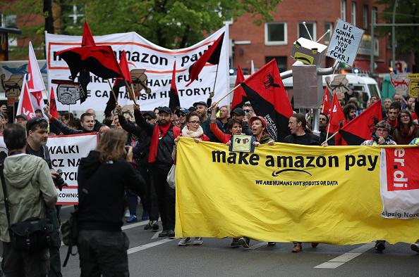 Europe「Amazon Workers Protest Against Jeff Bezos」:写真・画像(16)[壁紙.com]