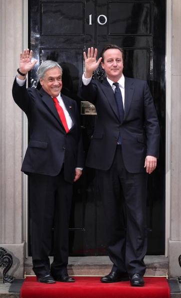 全身「Chilean President Sebastian Pinera Visits The UK After Miners Rescue」:写真・画像(18)[壁紙.com]