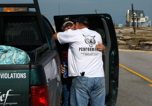 Gilchrist - Texas「Coastal Texas Faces Heavy Damage After Hurricane Ike」:写真・画像(11)[壁紙.com]