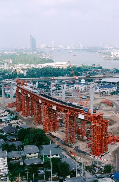 Architectural Column「Central interchange curved ramps under construction on gantry, Mega Bridge over the Chao Phraya river, Bangkok, Thailand」:写真・画像(12)[壁紙.com]