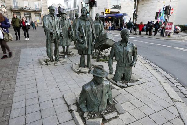 The Sculpture of Anonymous Pedestrian:ニュース(壁紙.com)