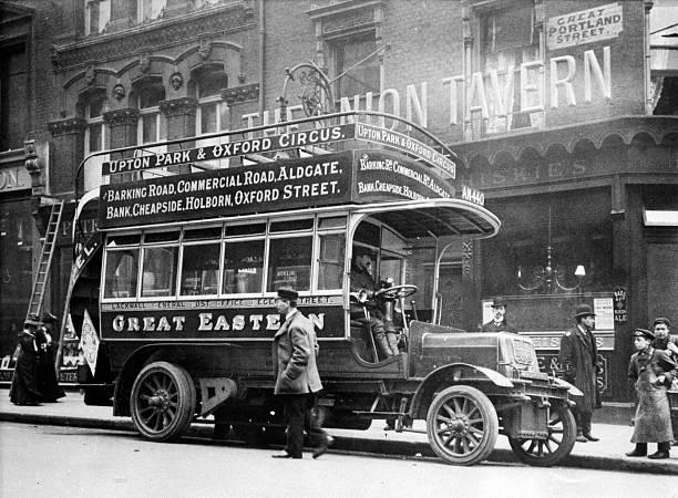 1906 Straker Squire bus:ニュース(壁紙.com)