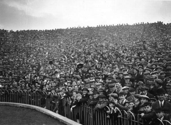 Crowd「Highbury Turn Out」:写真・画像(9)[壁紙.com]