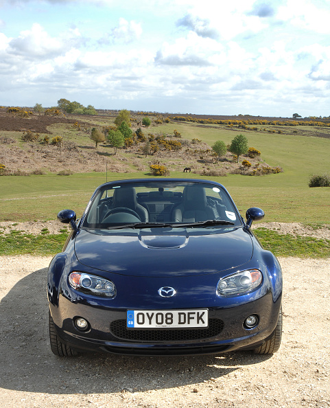 Country Road「2008 Mazda MX5 Roadster Coupe」:写真・画像(6)[壁紙.com]