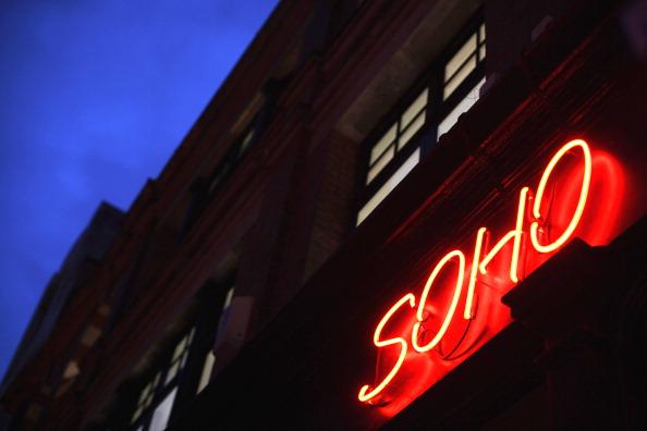 Lighting Equipment「Neon Lights In Soho」:写真・画像(4)[壁紙.com]