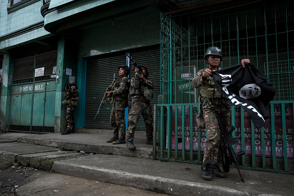 Photography「Filipino Troops Battle ISIS Militants In Marawi City」:写真・画像(17)[壁紙.com]