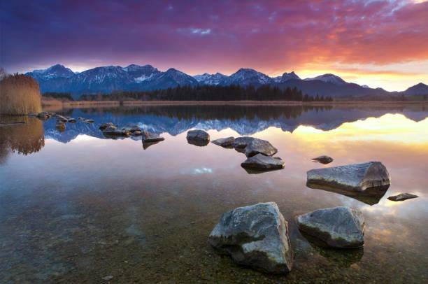 tranquil sunset at lake hopfensee, bavaria, allgaeu, germany:スマホ壁紙(壁紙.com)