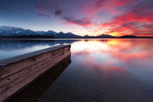 Eco Tourism「tranquil sunset at lake hopfensee in bavaria with pier- germany」:スマホ壁紙(15)