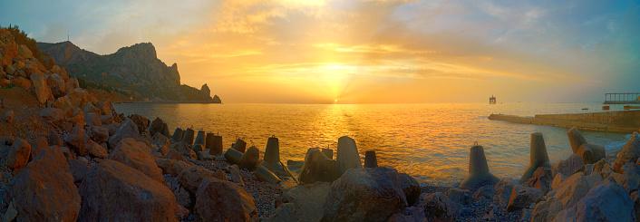 夕焼け 海「静かなビーチの日の出クリミアでウクライナ」:スマホ壁紙(11)