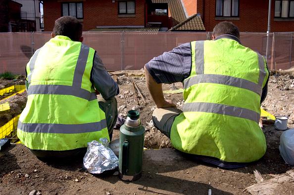 Resting「Builders having a tea break」:写真・画像(14)[壁紙.com]