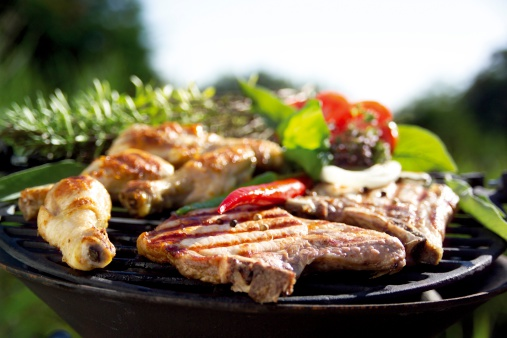 Barbecue Grill「Meat on barbecue grill, close-up」:スマホ壁紙(14)