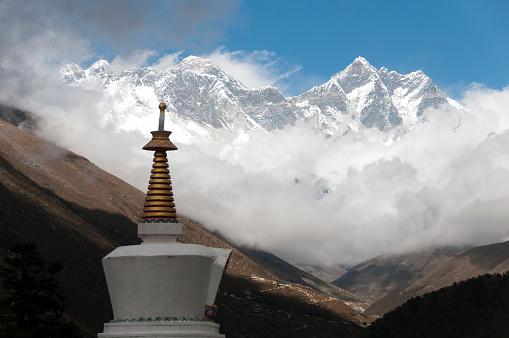 Khumbu「Tengboche Monastery, Chorten and Himalayan peaks」:スマホ壁紙(17)