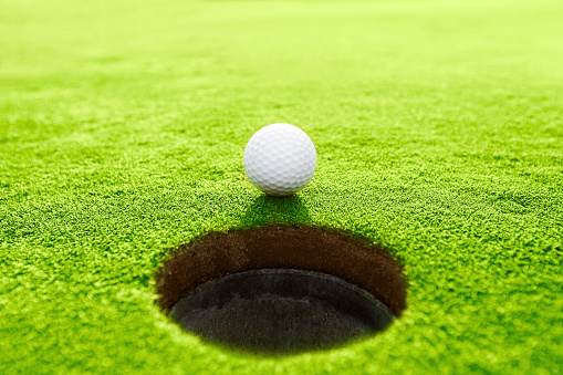 Putting - Golf「Golf ball」:スマホ壁紙(11)