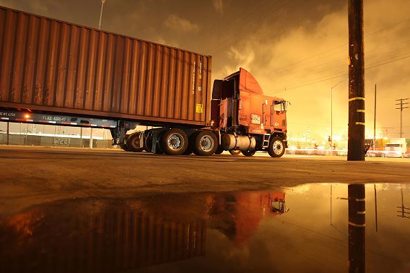 David McNew「Truckers Go To Court Over LA Port's Clean Trucks Program」:写真・画像(11)[壁紙.com]
