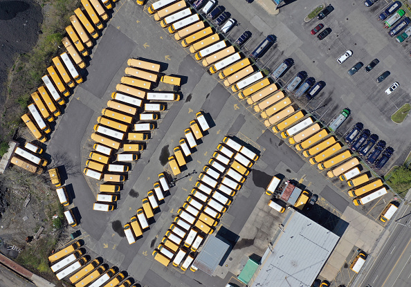 School Bus「Coronavirus Pandemic Causes Climate Of Anxiety And Changing Routines In America」:写真・画像(10)[壁紙.com]