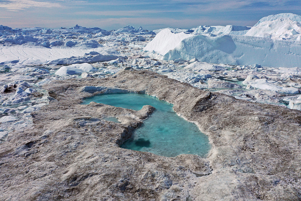 Melting「Western Greenland Hit By Unseasonably Warm Weather」:写真・画像(13)[壁紙.com]