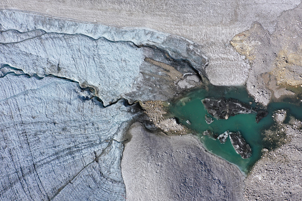 Melting「Schneeferner Glaciers On Verge Of Disappearing」:写真・画像(13)[壁紙.com]