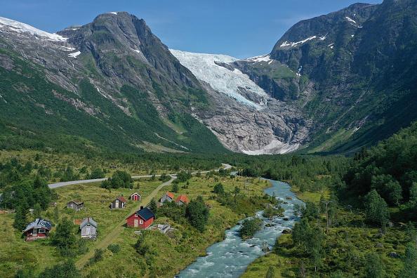 絶景「Global Warming Is Accelerating The Melting Of Norway's Glaciers」:写真・画像(19)[壁紙.com]