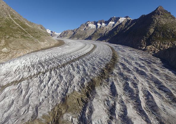 Mountain Range「Europe's Melting Glaciers: Aletsch」:写真・画像(13)[壁紙.com]