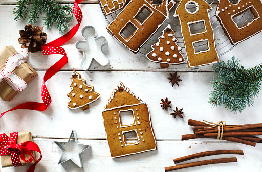 Gingerbread Cookie「Gingerbread cookies and Christmas decorations」:スマホ壁紙(14)