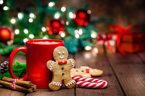 Gingerbread Cookie「Gingerbread cookie and hot chocolate for Christmas」:スマホ壁紙(1)