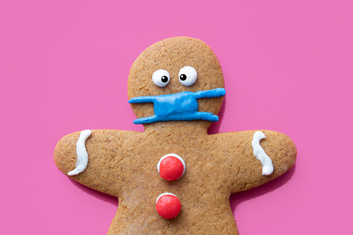 Gingerbread Cookie「Gingerbread Man Christmas Cookie Wearing Protective Face Mask」:スマホ壁紙(5)