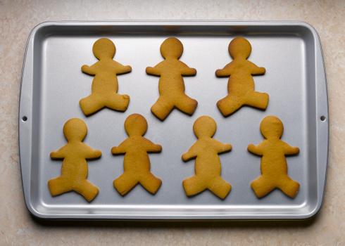 Gingerbread Cookie「Gingerbread men on baking sheet」:スマホ壁紙(17)