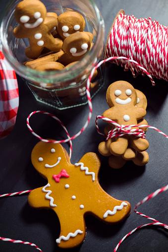 Miniature「クリスマスのジンジャーブレッド人」:スマホ壁紙(2)