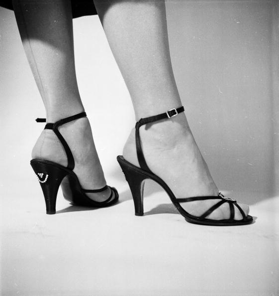 High Heels「Pretty Feet」:写真・画像(6)[壁紙.com]