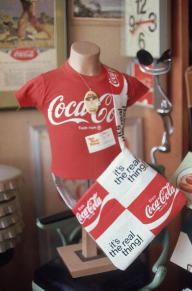 Manufactured Object「Coke Mug」:写真・画像(14)[壁紙.com]