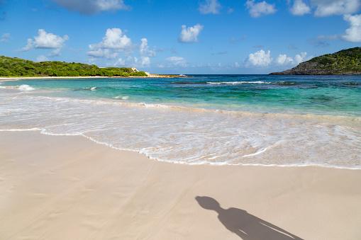 リーワード諸島 アンティグア「Half Moon Bay beach in Antigua」:スマホ壁紙(1)