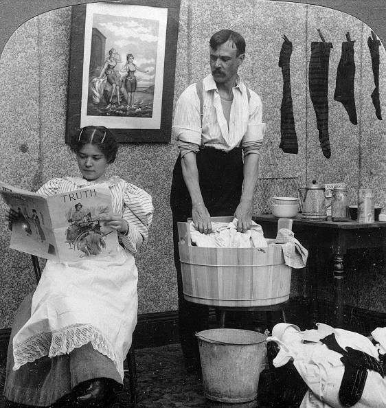 リラクゼーション「'The New Woman, Wash Day'.Artist: American Stereoscopic Company」:写真・画像(13)[壁紙.com]