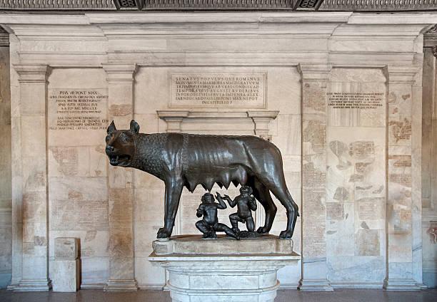 Remus Romulus and female wolf  sculpture, Rome:スマホ壁紙(壁紙.com)