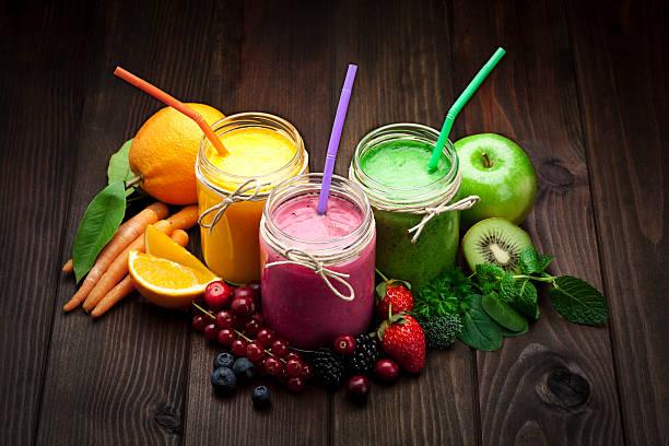 Blended fruit smoothies:スマホ壁紙(壁紙.com)
