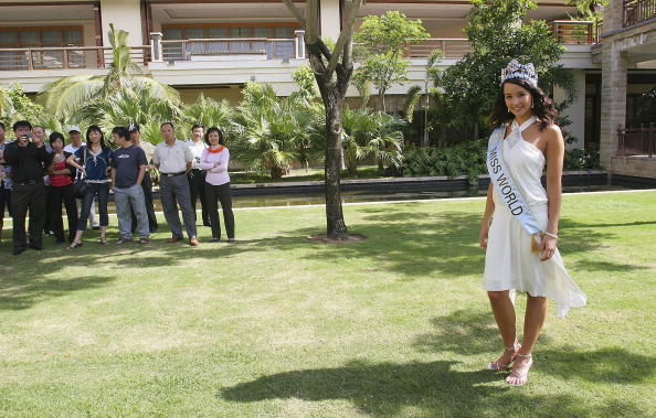 Hainan Island「Miss World Attends News Conference」:写真・画像(19)[壁紙.com]