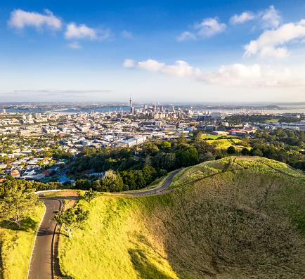 Volcano「Auckland's skyline over Mount Eden」:スマホ壁紙(4)