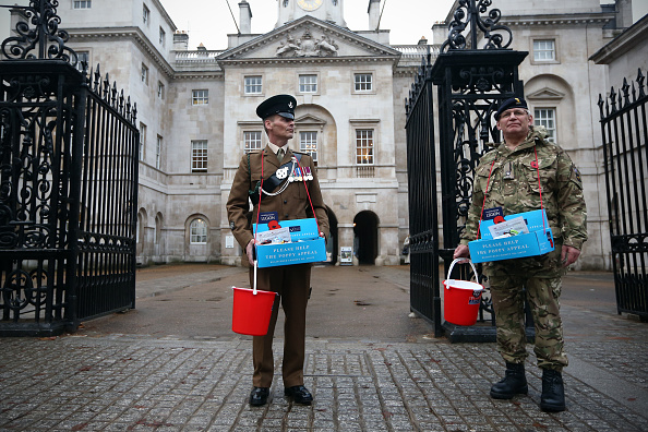 Waiting「London Poppy Day Aim To Raise More Than 1 Million In One Day」:写真・画像(4)[壁紙.com]