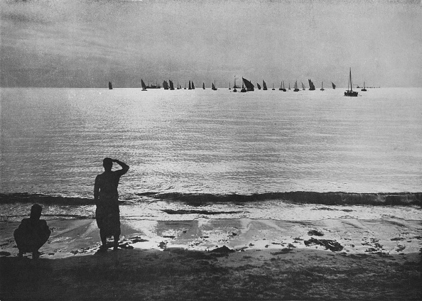 Water Surface「'Pearling Fleet Coming Back to Anchorage at Sunset', c1890,」:写真・画像(14)[壁紙.com]
