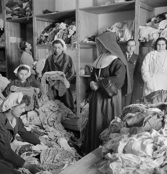 Obsolete「Donated Clothing」:写真・画像(8)[壁紙.com]