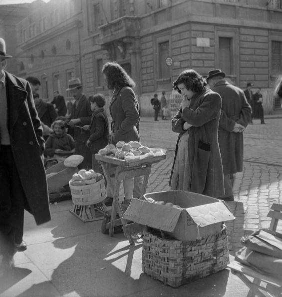 Postwar「Black Market Bread」:写真・画像(12)[壁紙.com]